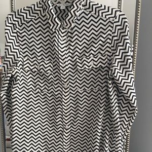 American Eagle Outfitters Tops - American Eagle zigzag striped shirt